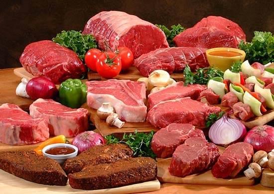Ăn thực phẩm giàu đạm và purin là một trong những nguyên nhân gây ra bệnh gout