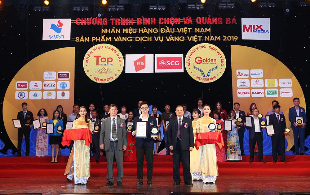 """Dược phẩm Tâm Bình nhận danh hiệu Top 50 """"Nhãn hiệu hàng đầu Việt Nam"""""""