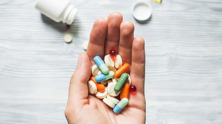Các bác sĩ có thể chỉ định các loại thuốc có tác dụng giảm đau.