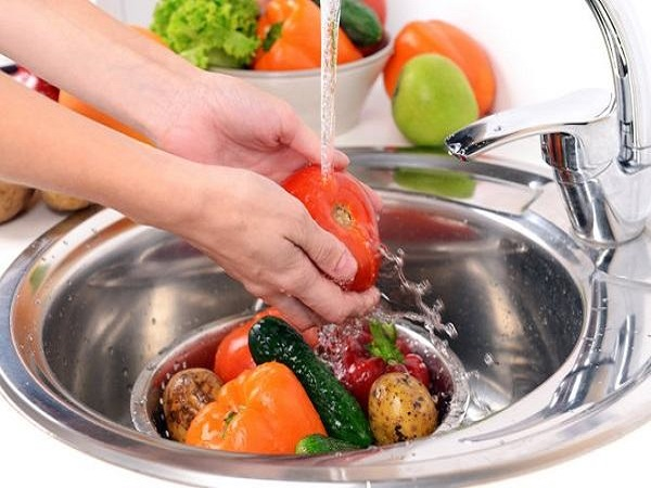 Thực hiện chế độ ăn chín uống sôi, đảm bảo vệ sinh