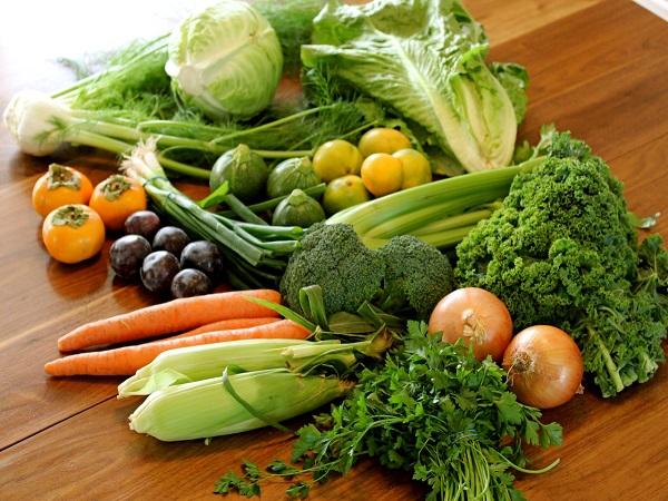 Bổ sung rau xanh, hoa quả tươi