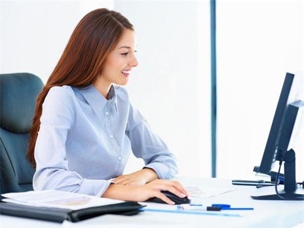 Tư thế làm việc đúng giúp giảm đau mỏi vai gáy