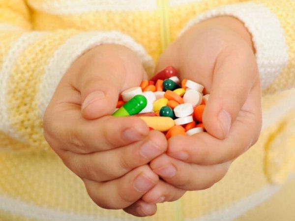 Thuốc kháng sinh - Nguyên nhân gây viêm đại tràng