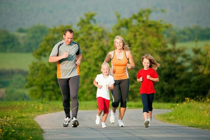 Để phòng tránh đau khớp gối nên tập thể thao đều đặn