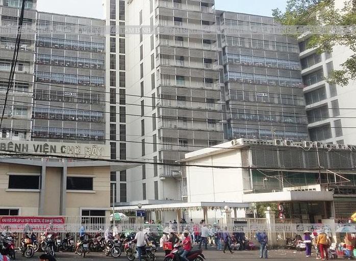 Người dân TPHCM có thể đến khám đau khớp gối tại Bệnh viện Chợ Rẫy