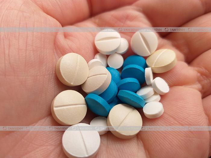 thận trong khi sử dụng thuốc