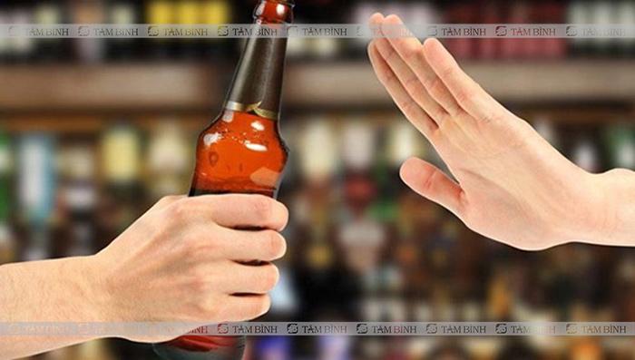 Người ợ hơi nên kiêng bia rượu