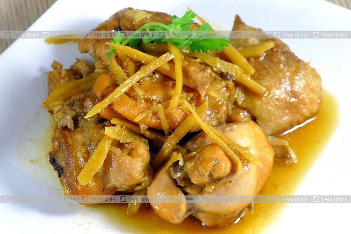 Người bệnh gout có thể ăn gà kho gừng