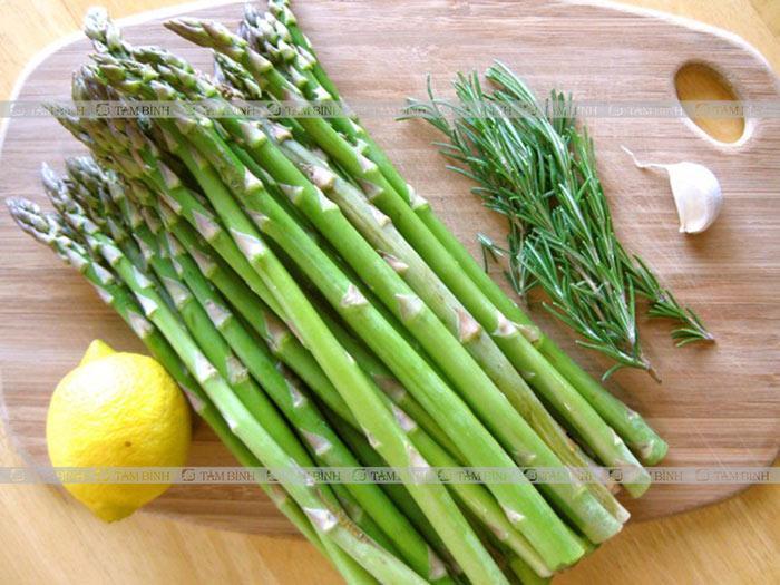 măng tây cải thiện tinh trùng yếu