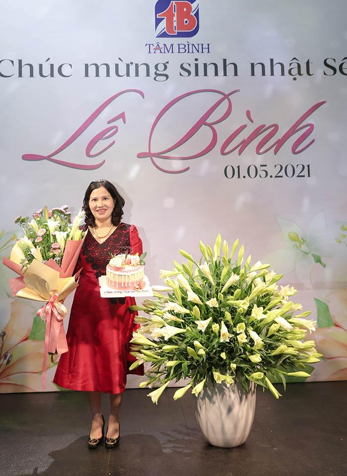 sinh nhật tổng giám đốc Lê Thị Bình