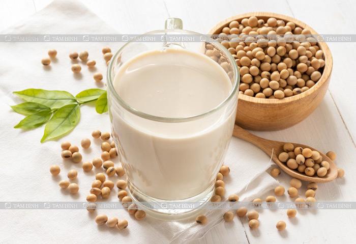 Mỡ máu uống sữa đậu nành được không