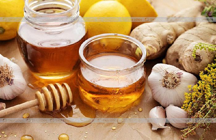 Giảm mỡ máu từ mật ong, tỏi, gừng, chanh