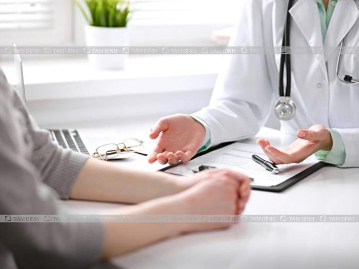 khám bác sĩ khi đau bụng liên tục