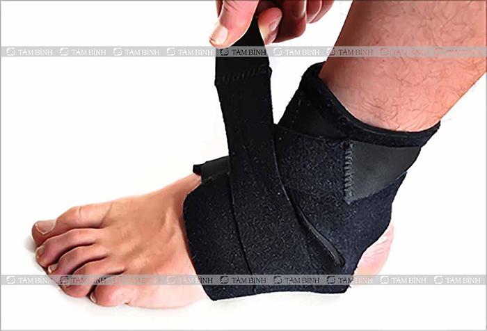 băng cuốn hỗ trợ trị tê lòng bàn chân