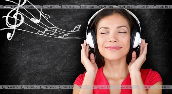 nghe nhạc giúp bạn quên đi cơn đói