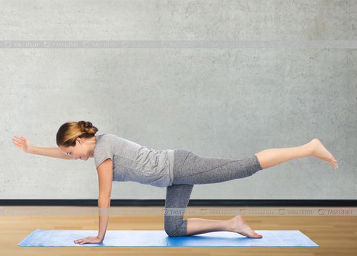 tư thế thăng bằng trị vẹo cột sống