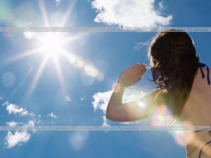 Nóng trong người do tác động của môi trường
