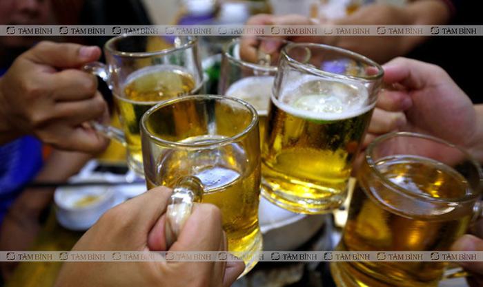 nóng trong người do uống nhiều bia rượu
